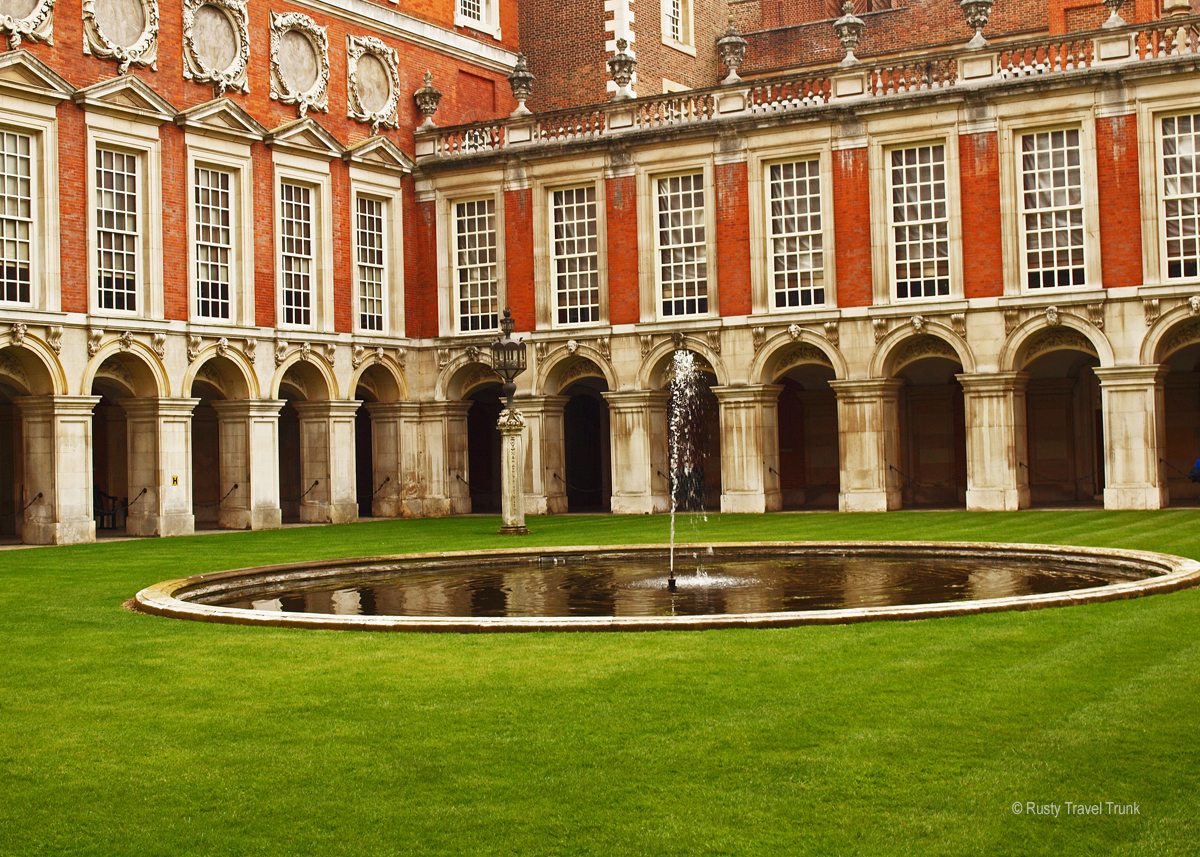 Why You Should Visit Hampton Court Palace - Rusty Travel Trunk