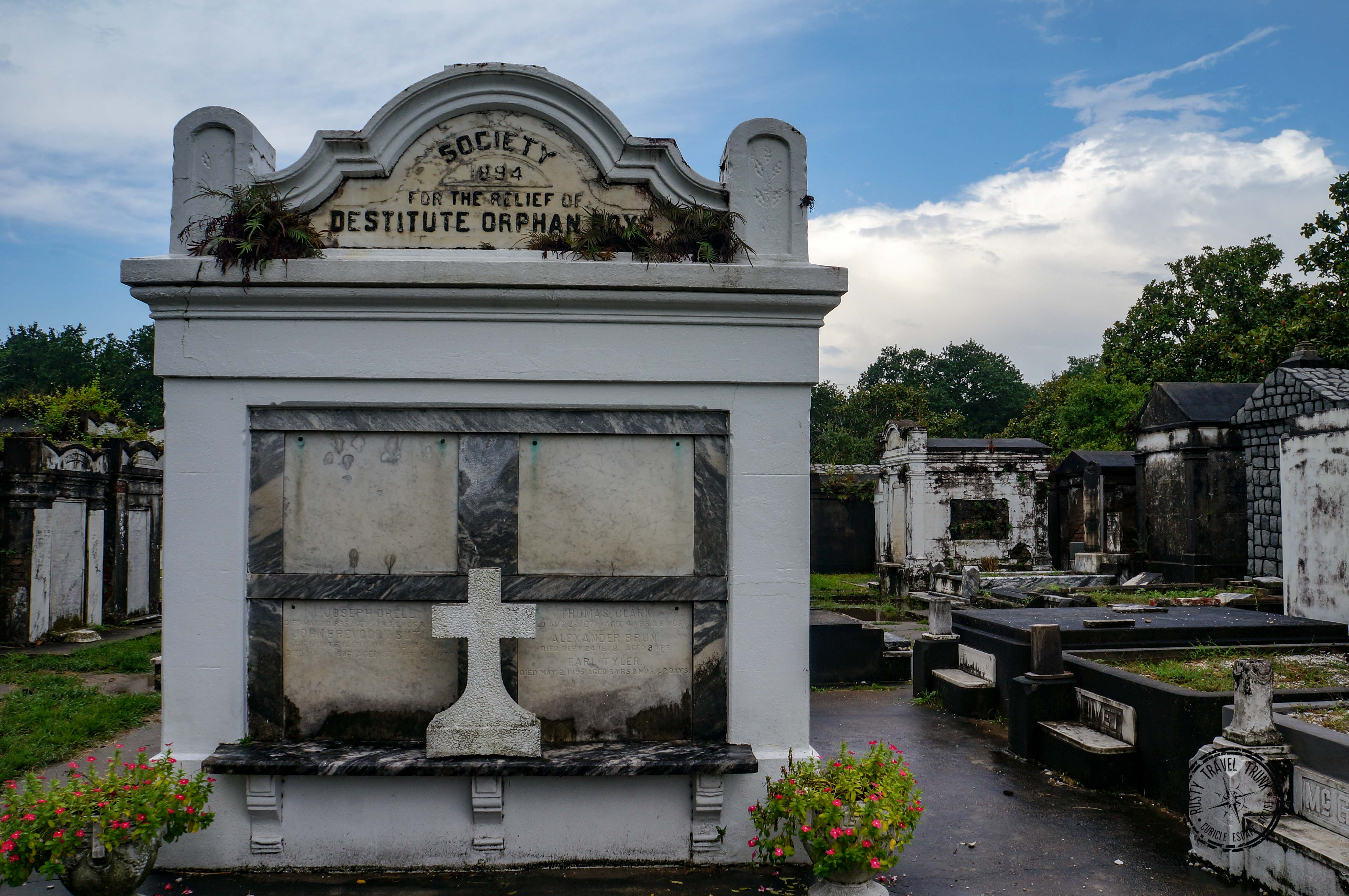 Lafayette Cemetery No.1 - New Orleans (4)