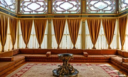 How to Visit Topkapi Palace in Istanbul