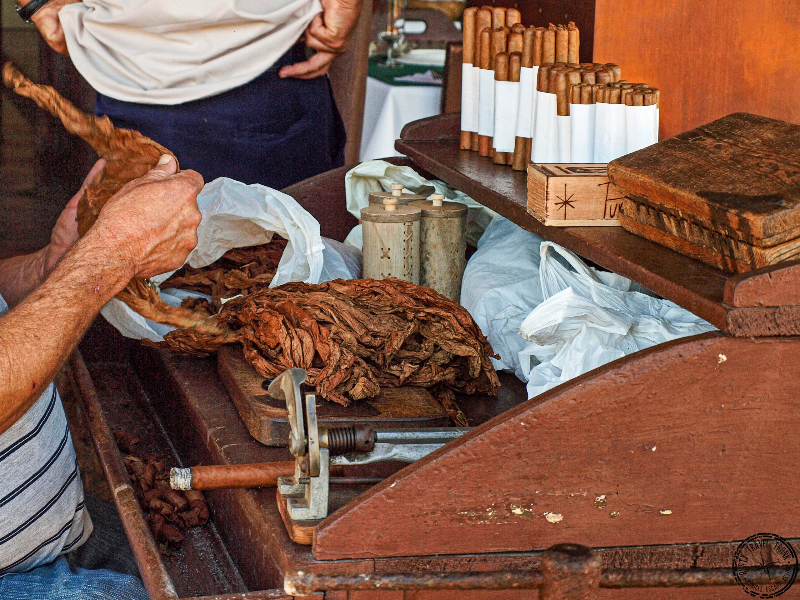 Rolling a new cigar